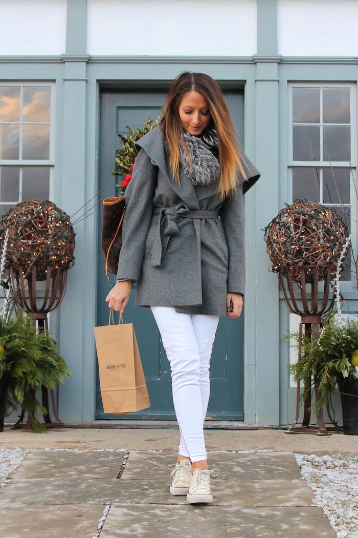 ravine vineyard niagara on the lake white jeans and chucks fashion blogger