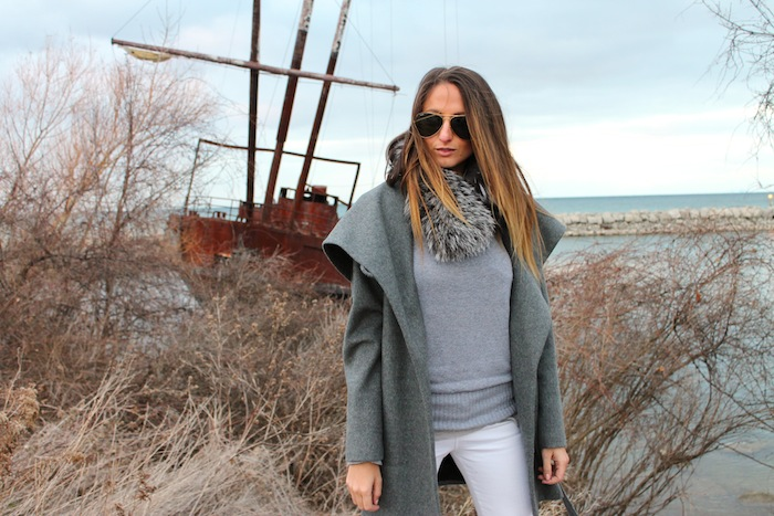grey sweater style white jeans silver fox fur collar ombre hair long ray ban winter style tips