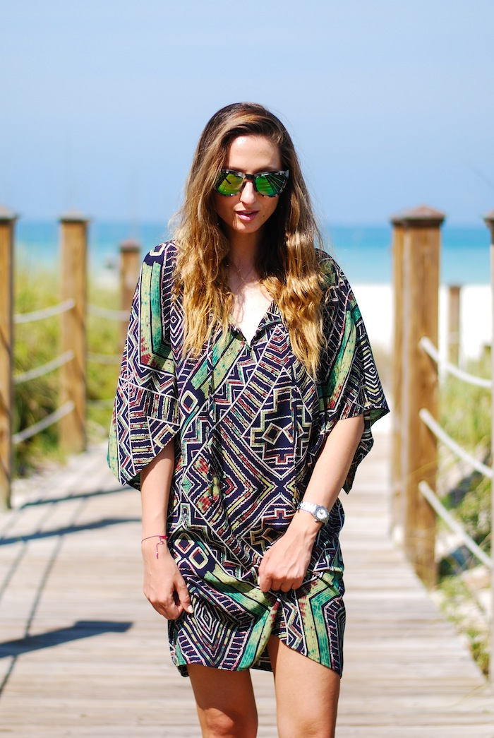 Justine Iaboni tunic on the beach 13