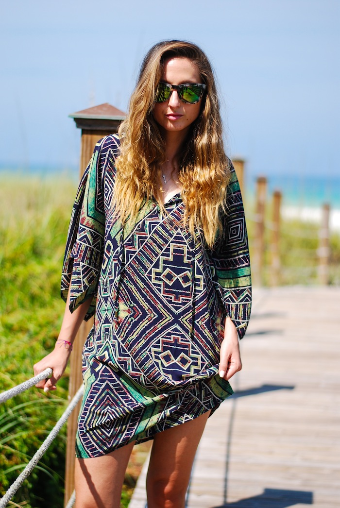 Justine Iaboni tunic on the beach 17