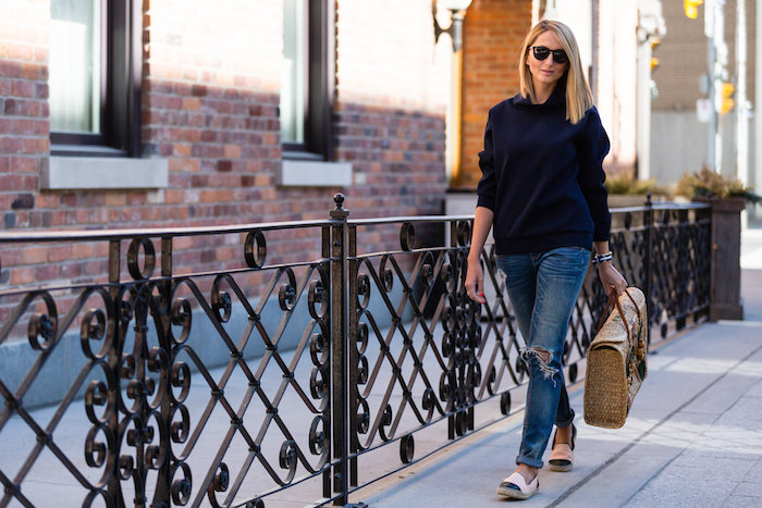 Justine Iaboni Style Straw Bag Ripped Jeans 06
