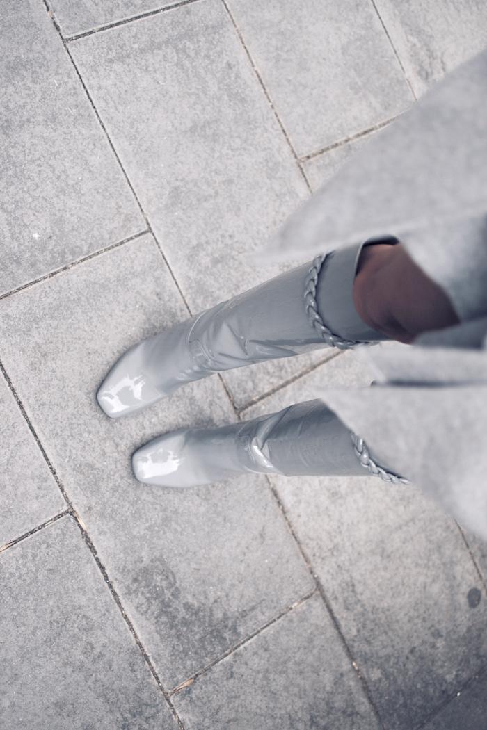 Valentino grey patent leather rock stud