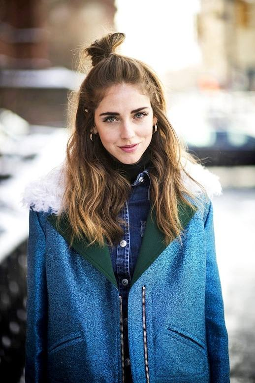 3-Le-Fashion-Blog-20-Inspiring-Half-Up-Top-Knot-Hairstyles-Chiara-Ferragni-The-Blonde-Salade-Hair-Bun-Via-Cosmopolitan