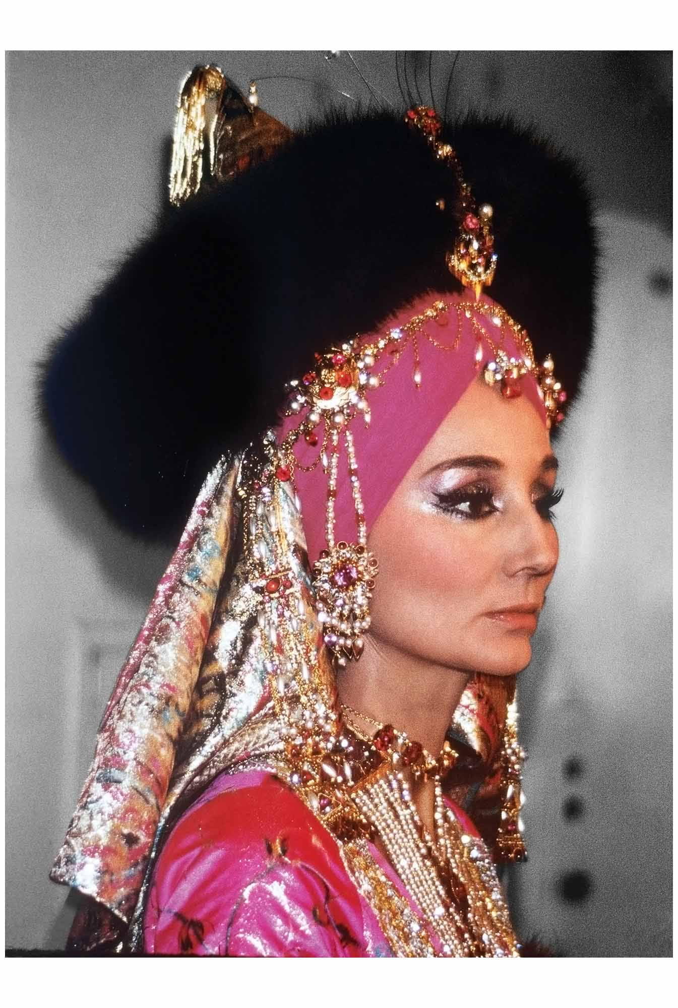 jacqueline-de-ribes-in-costume-for-the-e2809cbal-oriental-paris-1969