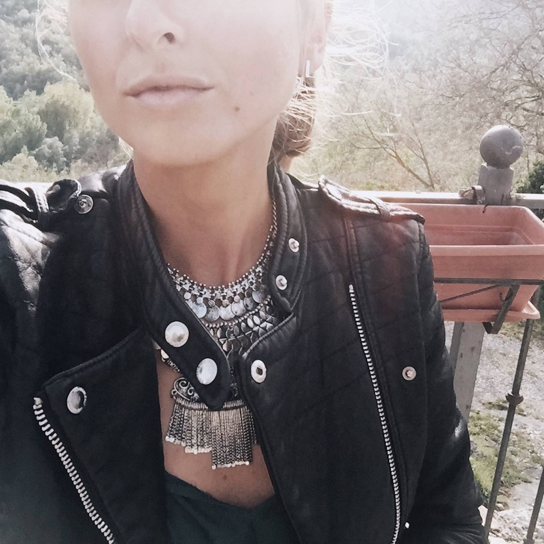 Black Biker Jacket outfit 05