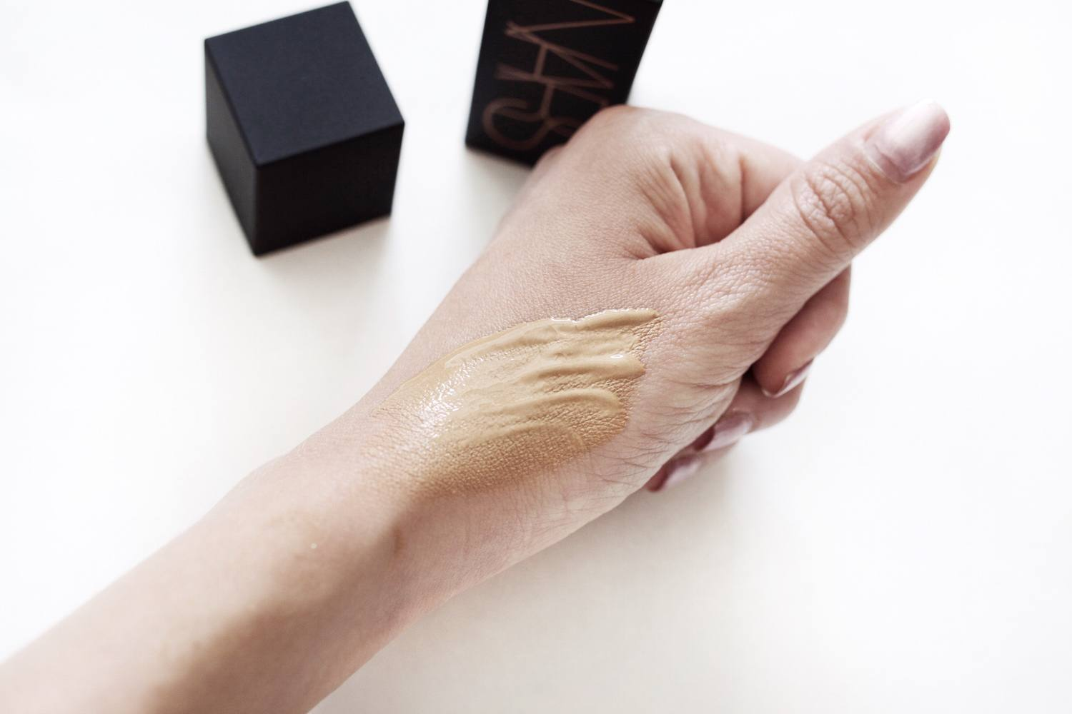 NARS liquid bronzer swatch