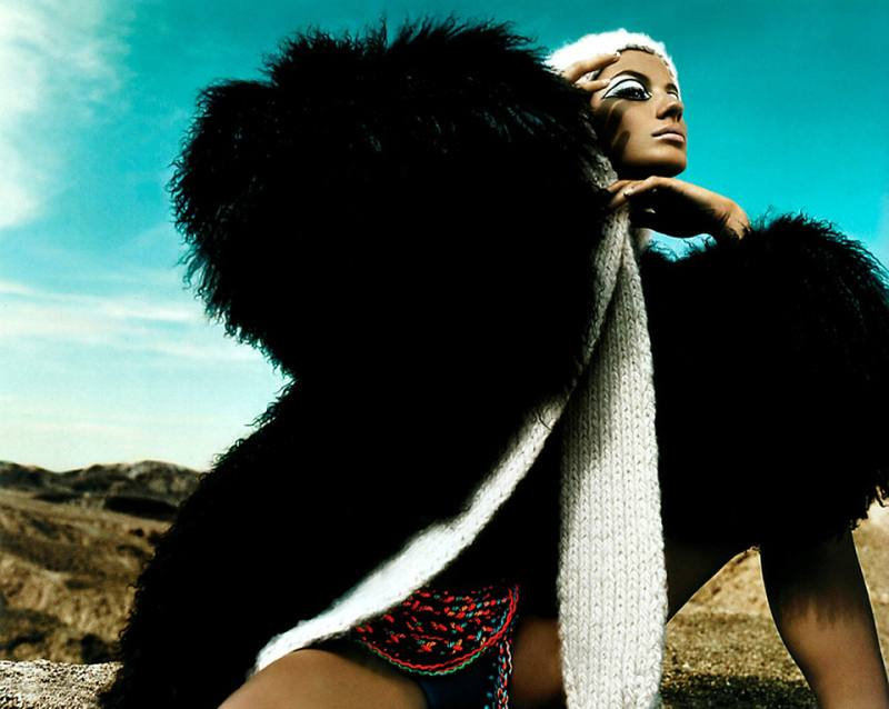 gisele-bc3bcndchen-by-mert-alas-marcus-piggott-for-pop-magazine-fallwinter-2001-1