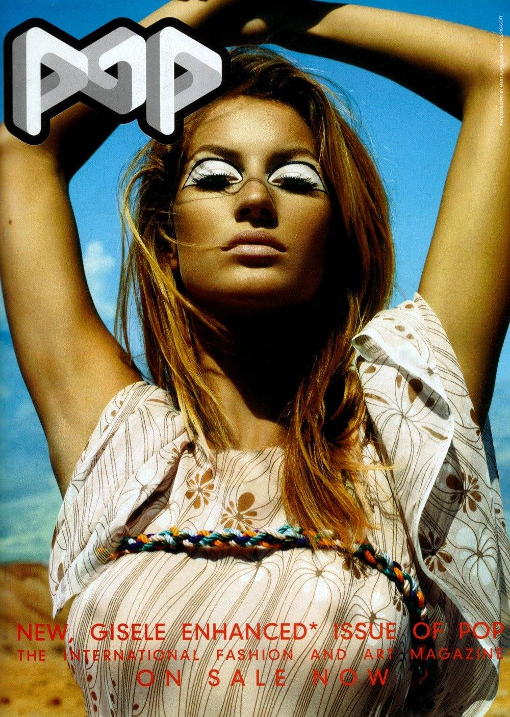 gisele-bc3bcndchen-by-mert-alas-marcus-piggott-for-pop-magazine-fallwinter-2001-12