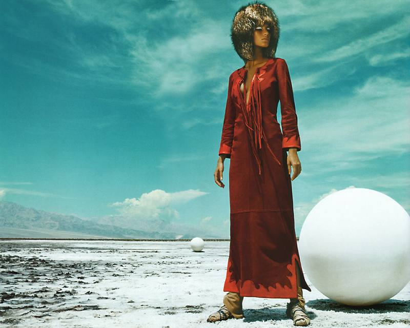 gisele-bc3bcndchen-by-mert-alas-marcus-piggott-for-pop-magazine-fallwinter-2001-5