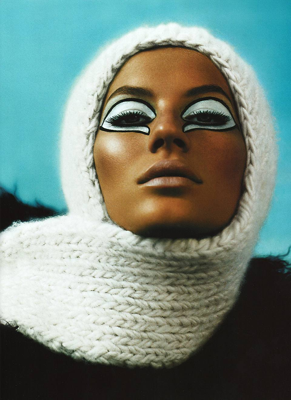 gisele-bc3bcndchen-by-mert-alas-marcus-piggott-for-pop-magazine-fallwinter-2001-7