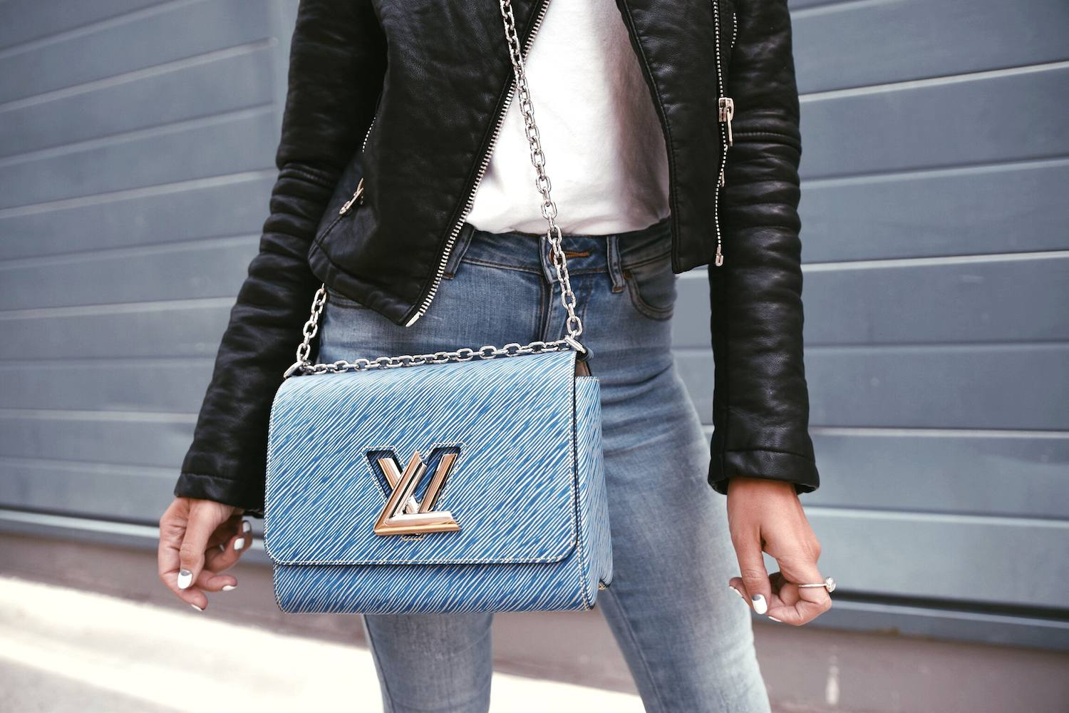 Louis Vuitton Twist Bag 23