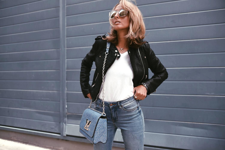 Louis Vuitton Twist Bag 25