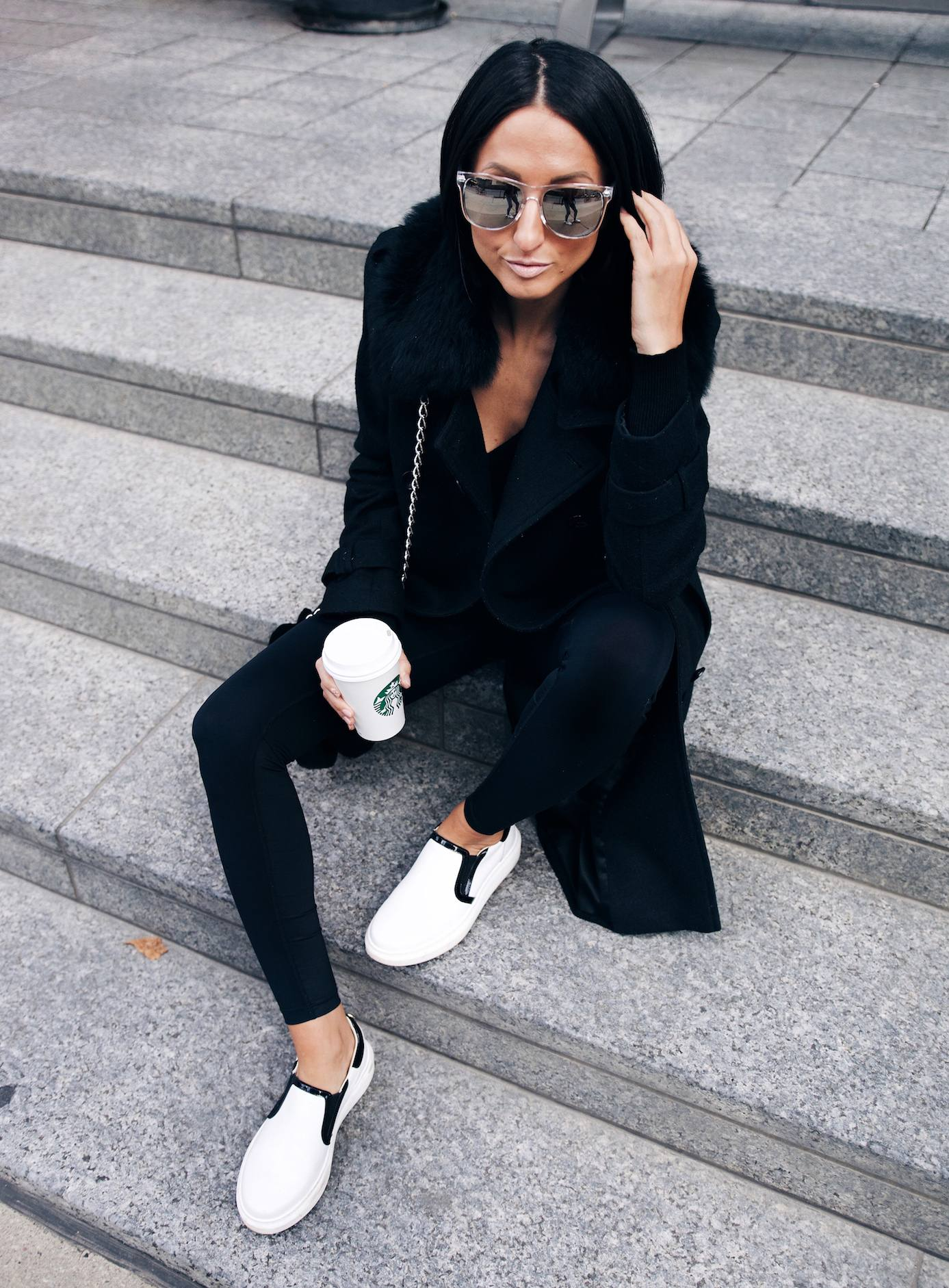 how-to-style-leggings-with-sneakers-51